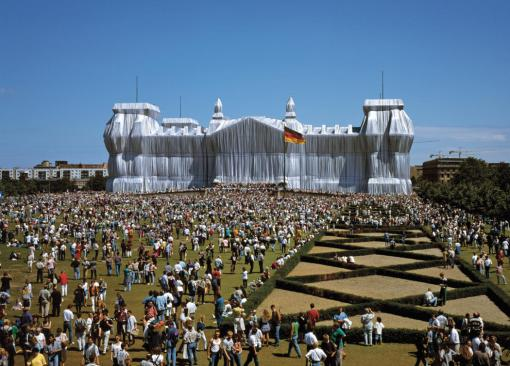 Wrapped Reichstag, Christo, Berlin, 1995  Photo: Wolfgang Volz