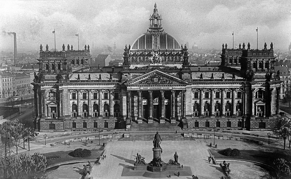 Evolution of the Reichstag Building in Photos | Geometry ...