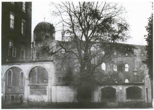 Burnt out ruins of the Synagogue after the pogrom in Novmber 1938
