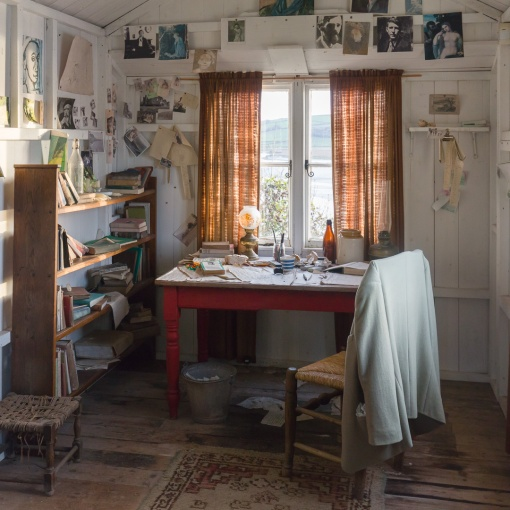 The writing shed used by Dylan Thomas, close to The Boathouse, Laugharne, Dyfed.