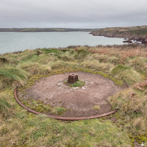 Emplacement, South Hook Fort, Milford Haven, Pembrokeshire.